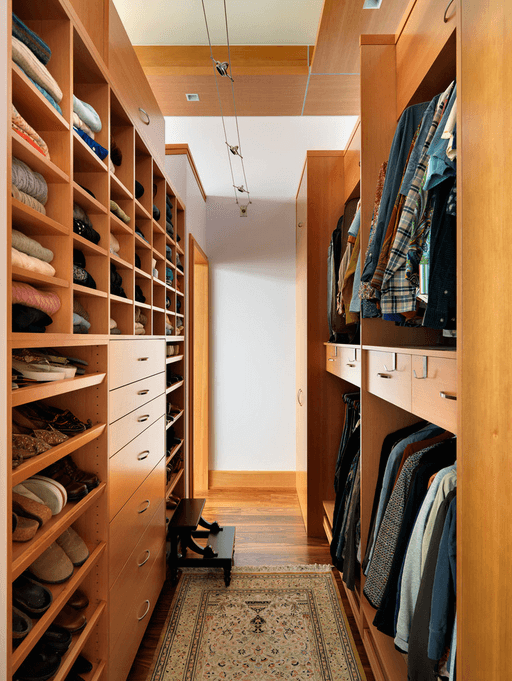 floor-to-ceiling-clothes-storage
