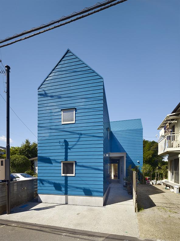 일본-주택-Snapped-House-in-Saitama-japan-1.jpg