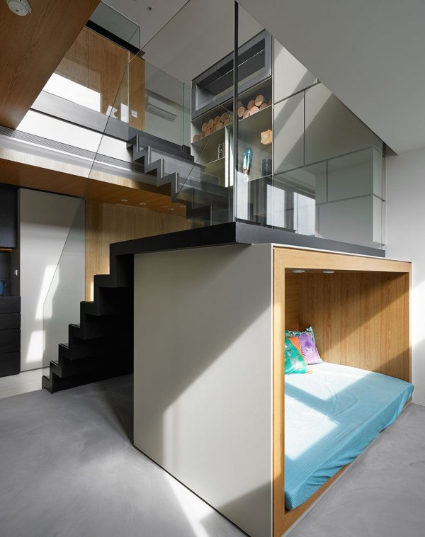 중국-하우스-glass-stair-rai