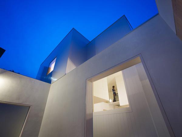 module-shape-container-house-akita-japan-2