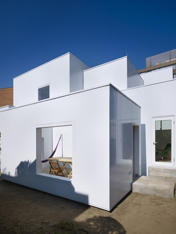 module-shape-container-house-akita-japan-4