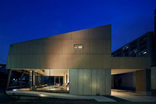 multi-purpose-japan-house-fukuoka-japan-14