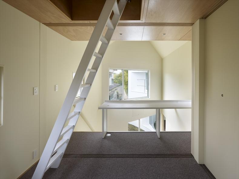 snapped-house-in-saitama-japan-7