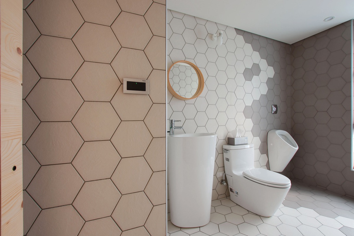 artistic-hexagonal-bathroom-tiles