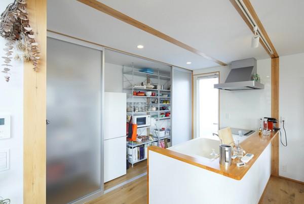japanese-wood-deco-ahgular-home-4