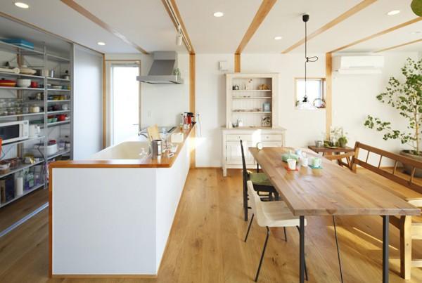 japanese-wood-deco-ahgular-home-6