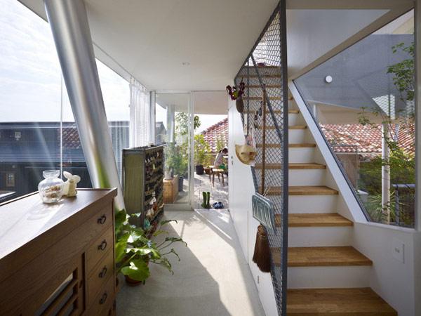 lifted-house-hiroshima-japan-kimihiko-okada-10