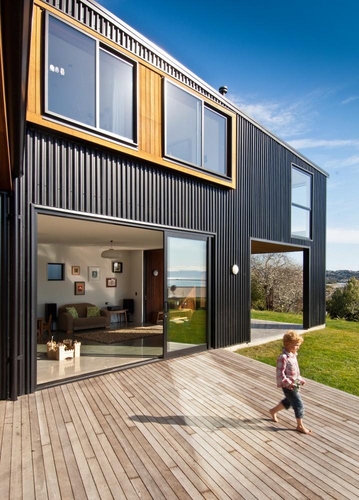 wooden-deck-nelson-house