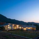 새벽-집이-안들어선-위쪽땅에서-봄-건축사사무소 더함
